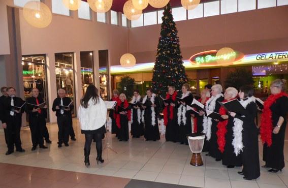 Concert de Noël de l'Emilienne au Shopping Cora le 23 décembre 2012