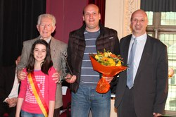 Prix de l'Organisation 2012 : Les Gilles « La Victoire » pour l'organisation du jogging P. Duvivier, sa réussitte, son ampleur au niveau local et régional.