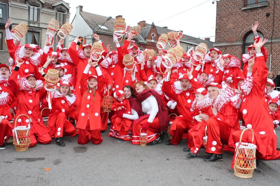 Carnières - les Pierrots au Carnaval